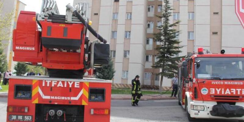Apartman dairesinde çıkan yangın, söndürüldü
