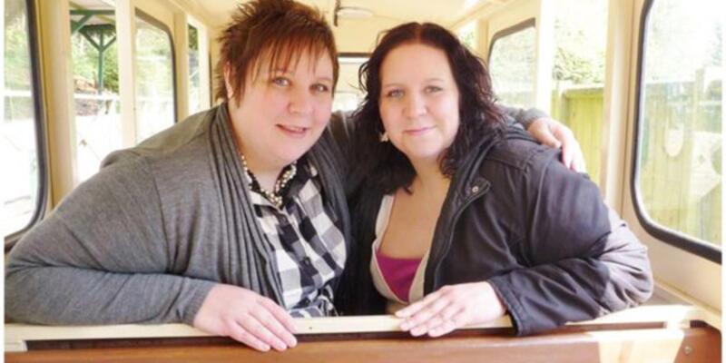 İkiz hemşireler 72 saat arayla koronavirüse yenik düştü