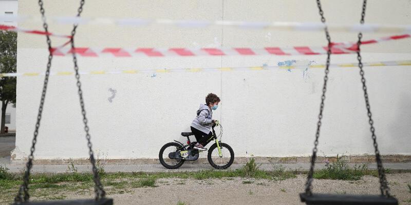 İspanya'da çocuklara 40 gün sonra sokağa çıkma izni