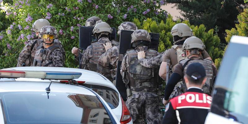 Ankara'da 2 çocuğunu silahla rehin alan baba, tutuklandı