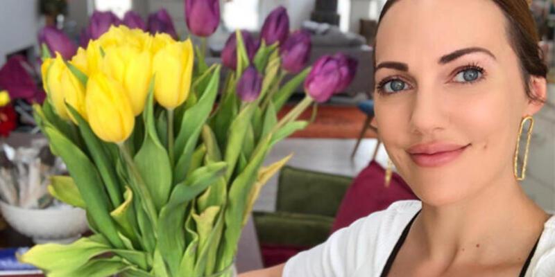 Meryem Uzerli: Çiçekler sizin için