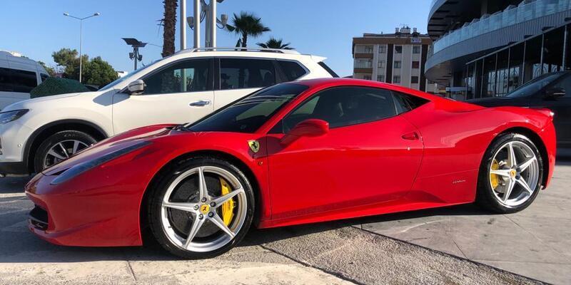 1.5 milyonluk Ferrari'si olan kişi, 1000 liralık yardıma başvurdu