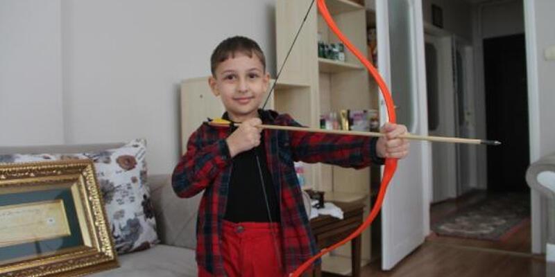 Küçük Mustafa, hayalindeki ok ve yaya kavuştu