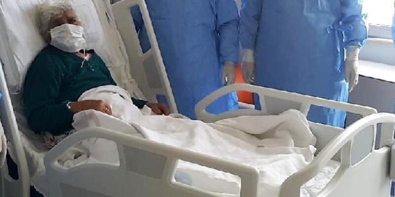 99 yaşındaki Safiye Nine koronavirüsü yendi