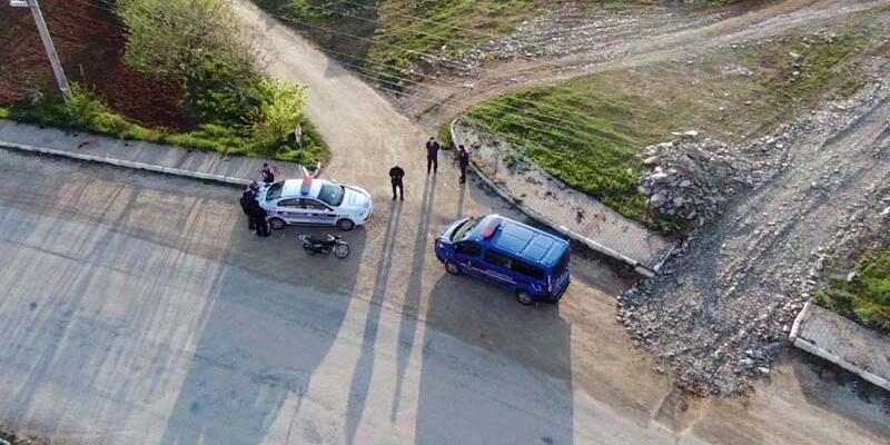 Karantina ve sosyal mesafe kuralına uymayanlar dronla belirlenip, ceza yazıldı
