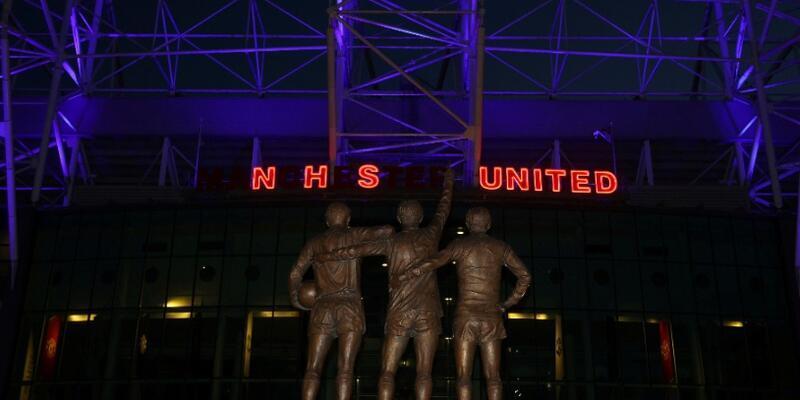 Manchester United ayakta seyirci alacak