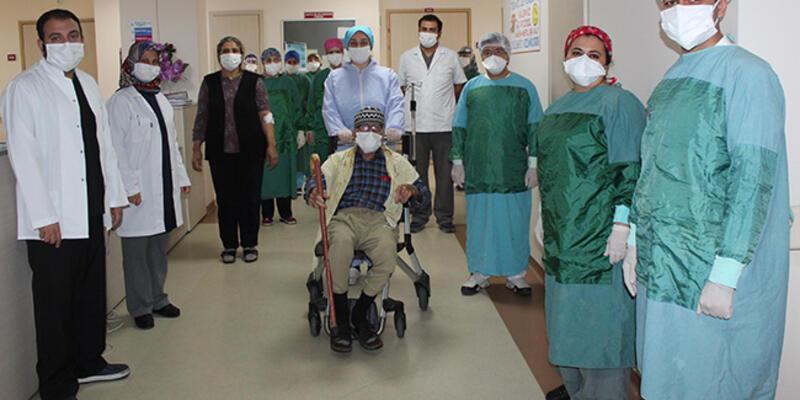 Manisa'dan güzel haber: 92 yaşında koronavirüsü yendi