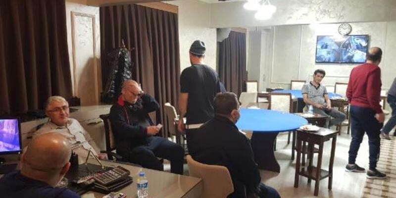 Açık lokalde bulunan 12 kişiye 3 bin 180 lira ceza
