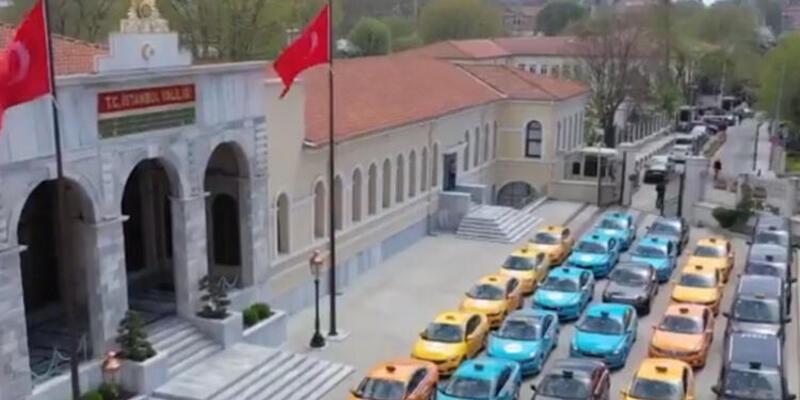 İstanbul'da sokağa çıkma yasağının olduğu günlerde sağlık çalışanlarına ücretsiz taksi hizmeti