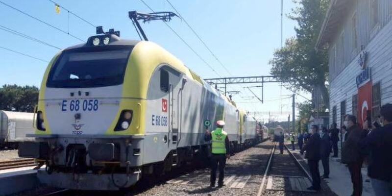 Marmaray'dan geçiş yapan ilk yurt içi yük treni Çorlu'ya vardı