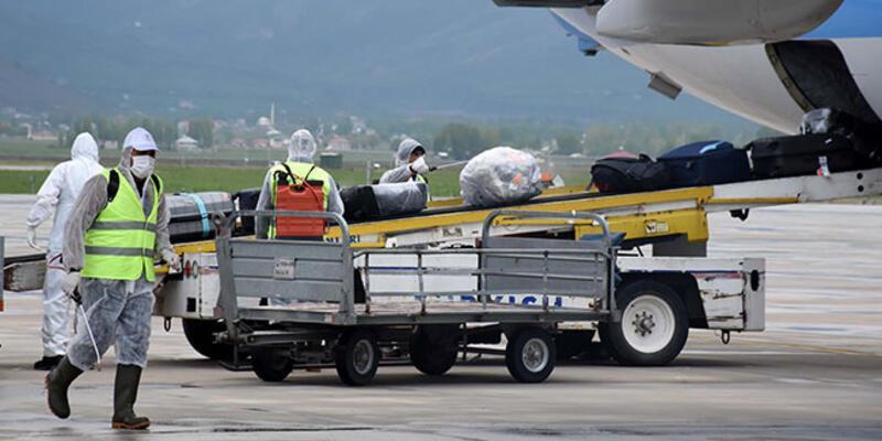 Almanya'dan getirilen 107 Türk vatandaşı Muş'ta yurda yerleştirildi