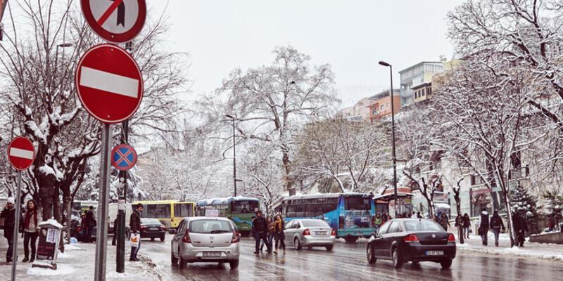 Hava durumu 10 Mayıs Pazar: Bahar ayında kar bastırdı!