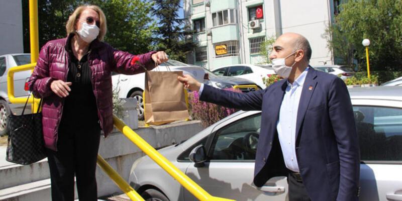 Bakırköy'de 40 bin eve ziyaret edilerek Anneler Günü hediyeleri dağıtıldı