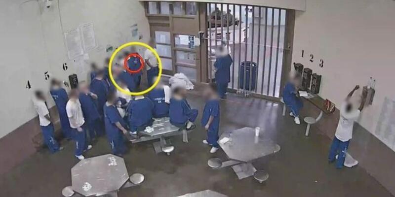 ABD'de mahkumlar, erken tahliye olabilmek için sırayla maske koklayıp koronavirüse yakalandı