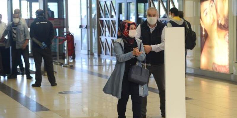 Ankara'da AVM'lerde yoğunluk devam etti