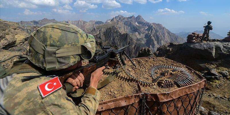 Bakanlık duyurdu! PKK'lı 2 terörist teslim oldu