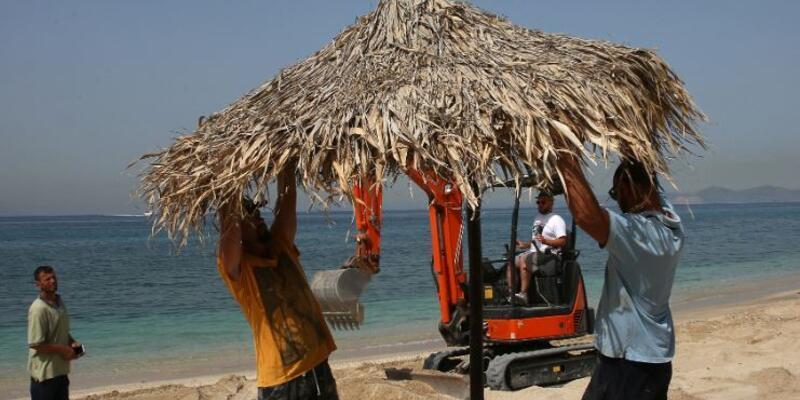 Yunanistan'da plajlar açıldı