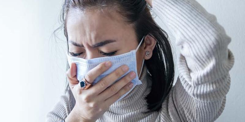 Uzun süreli maske kullanımı yüzde egzamayı tetikleyebilir