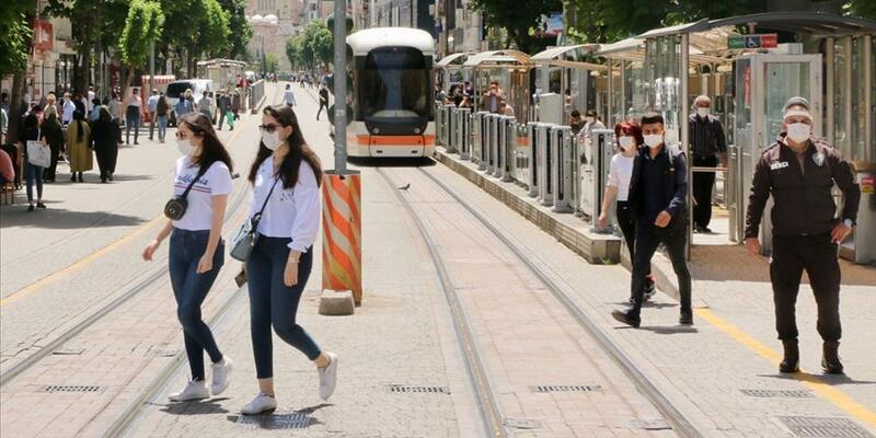 Maskesiz sokağa çıkma yasağı getirilen il sayısı 29'a yükseldi