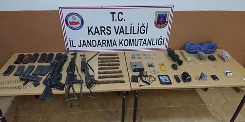 Etkisiz hale getirilen 3 teröriste ait silah ve mühimmat ele geçirildi