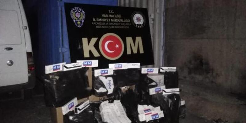 Çamaşır makinesinin gizli bölmesinde 7 bin paket sigara bulundu