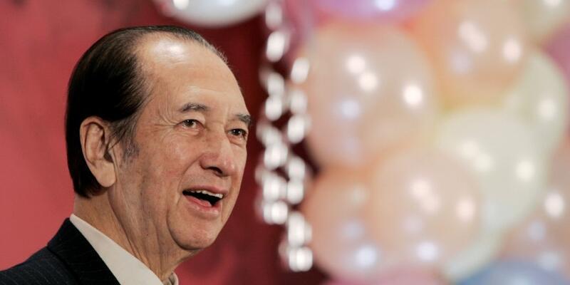 Ünlü kumarhaneler kralı Stanley Ho 98 yaşında hayatını kaybetti