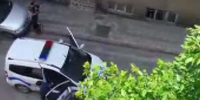 Sokakta polisi gören çocuk ağladı; polis vatandaşlara sitem etti