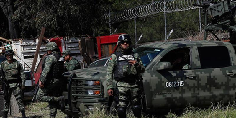 Meksika'da uyuşturucu çeteleri çatıştı: 11 ölü