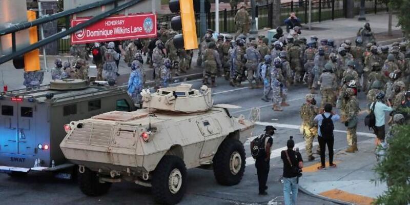 Amerika'da neler oluyor? Asker sokağa indi! George Floyd neden öldü?