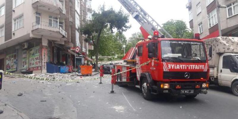5 katlı binanın çatı katının balkonu çöktü