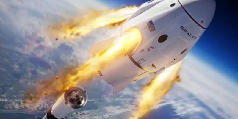 """SpaceX görevinde önemli detaylardan biri de """"şıklık"""" imiş"""