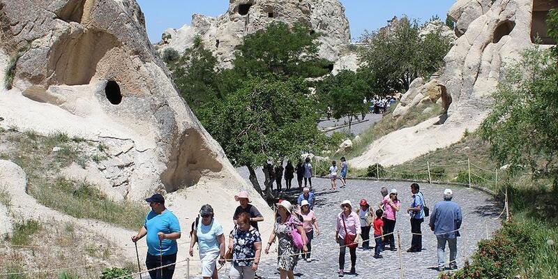 Bakanlıktan 'turist rehberlerine' ilişkin genelge