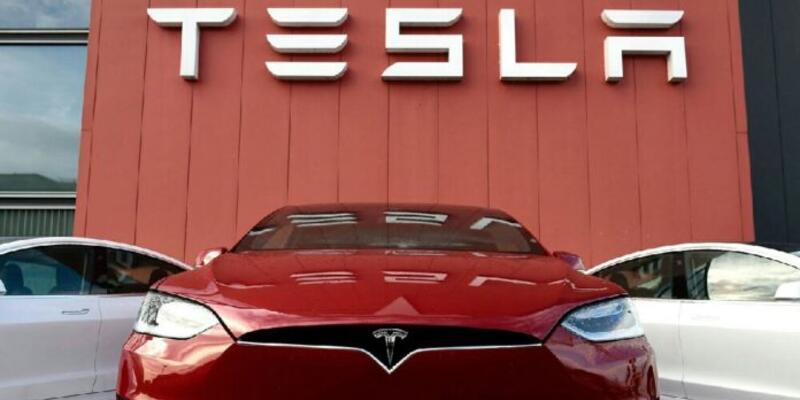 Tesla araçlarında boya problemi