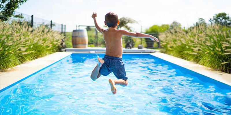 Çocuğunuzla tatile gitmeden önce Covid-19'a karşı almanız gereken önlemler