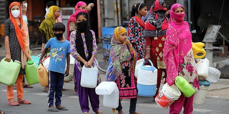 Hindistan'da son 24 saatte koronavirüs nedeniyle 386 ölüm