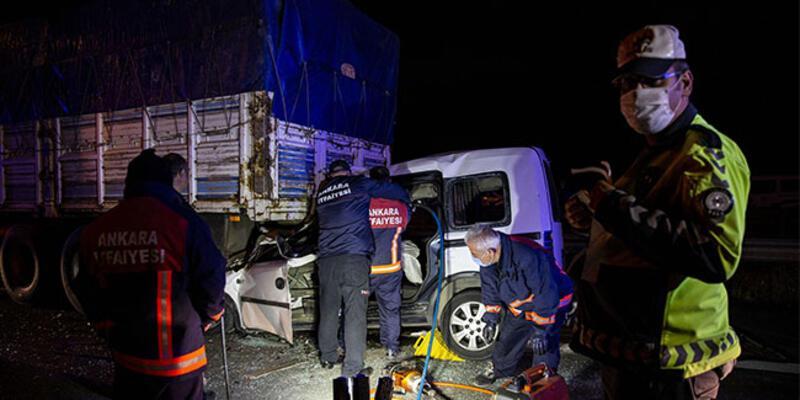 Başkentte gece saatlerinde feci kaza: Ölüler ve yaralı var