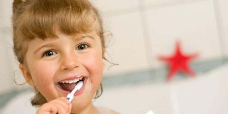 Çocuklar diş fırçalama sayısını artırmalı