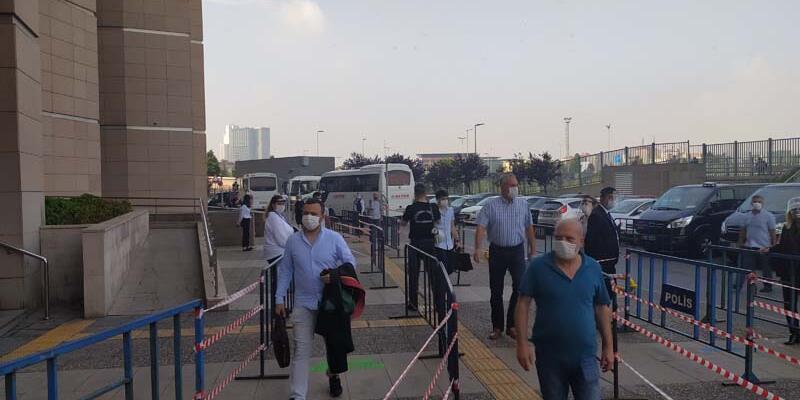 Son dakika haberi: İstanbul Adalet Sarayı'nda uzun kuyruklara karşı önlem alındı