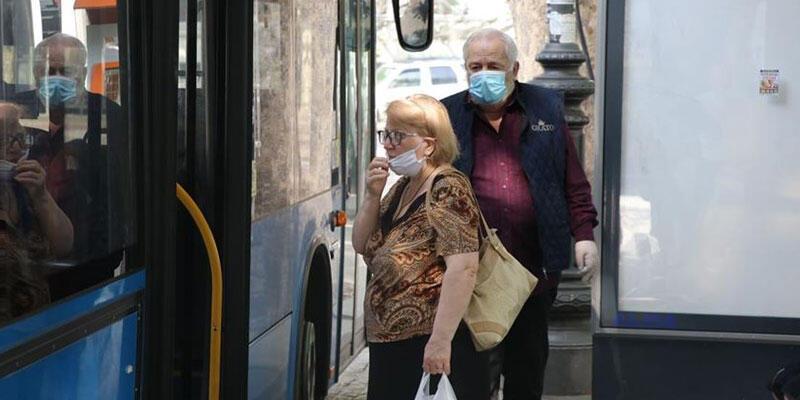 Ukrayna'da vaka sayısı rekor artış: Karantina uzatıldı