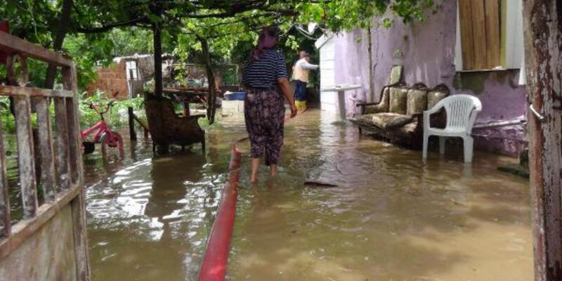Şiddetli yağmur; Evleri su bastı