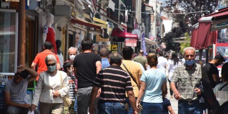 Trafiğe kapalı caddelere maskesiz giriş yasaklandı