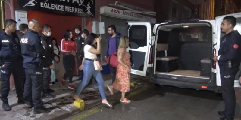 Eğlence merkezinde 25 kişiye para cezası