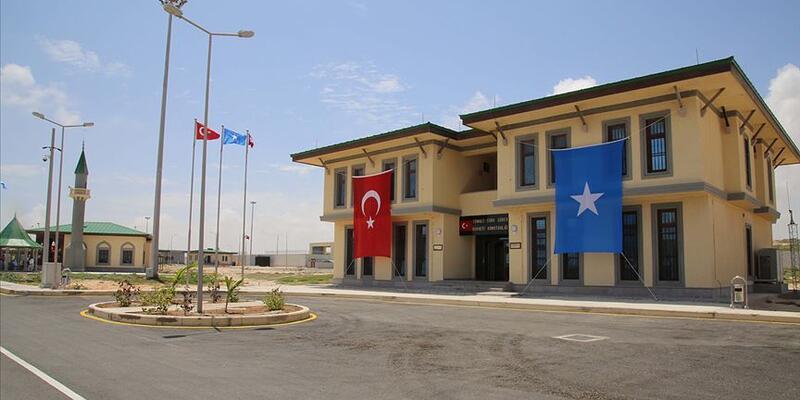 Somali'de Türk askeri eğitim üssü önünde intihar saldırısı girişimi