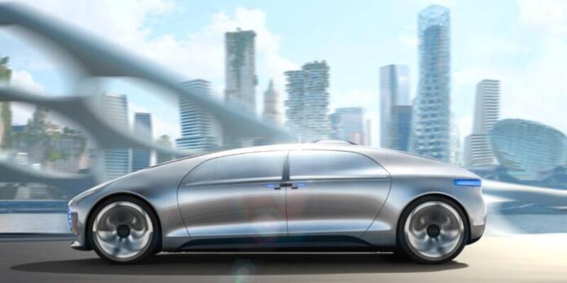 BMW ve Mercedes otonom sürüşte havlu mu attı?