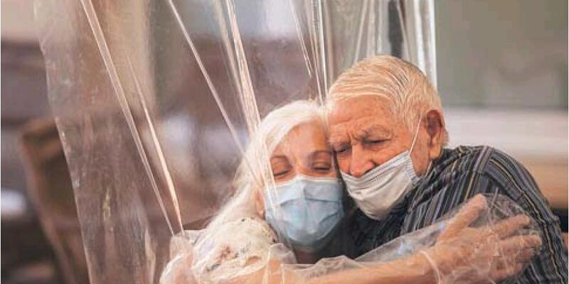 Son dakika: Koronavirüsün ayırdığı yaşlı çift 102 gün sonra kavuştu