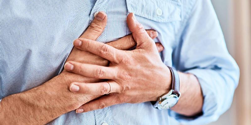 Göğüs ağrısı neden olur? Göğüs ağrısına ne iyi gelir? Neyin belirtisi?