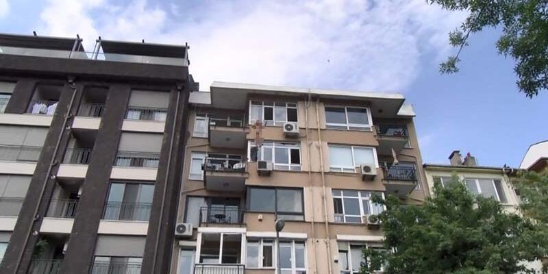 Kadıköy'deki intihar teşebbüsü kamerada
