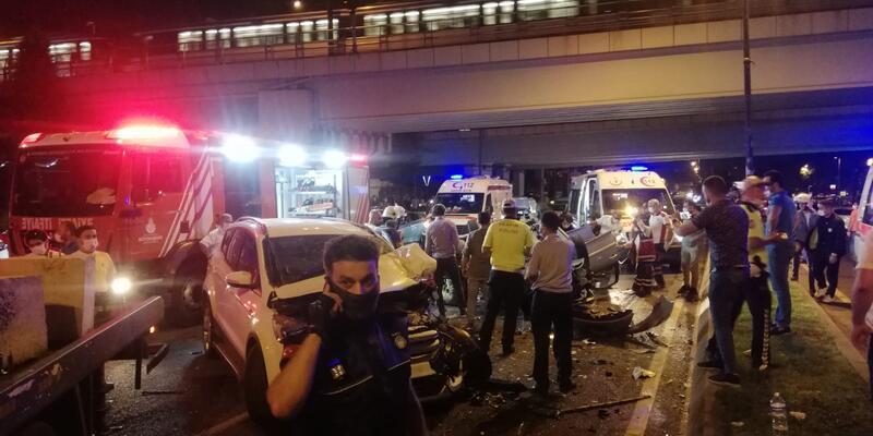 Ortalık savaş alanına döndü! İstanbul'da feci kaza