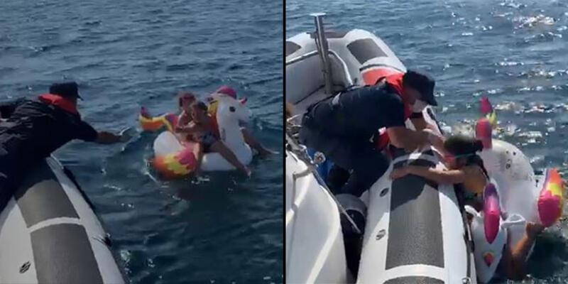 Denizde sürüklenen iki çocuğu, Sahil Güvenlik kurtardı