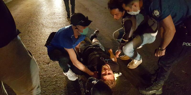 Alkollü sürücü, polis ve sağlık ekibinden 'helallik' istedi